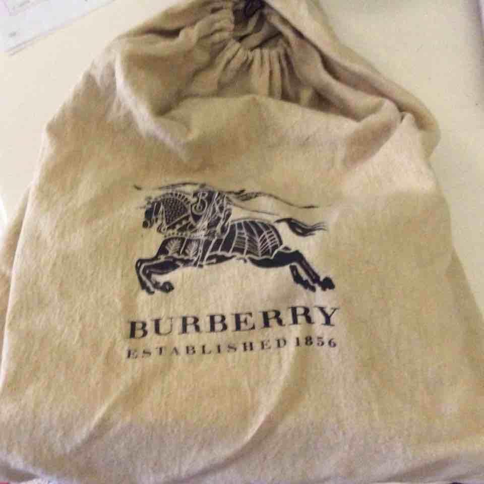 Burberry博柏利全皮裸色手提包