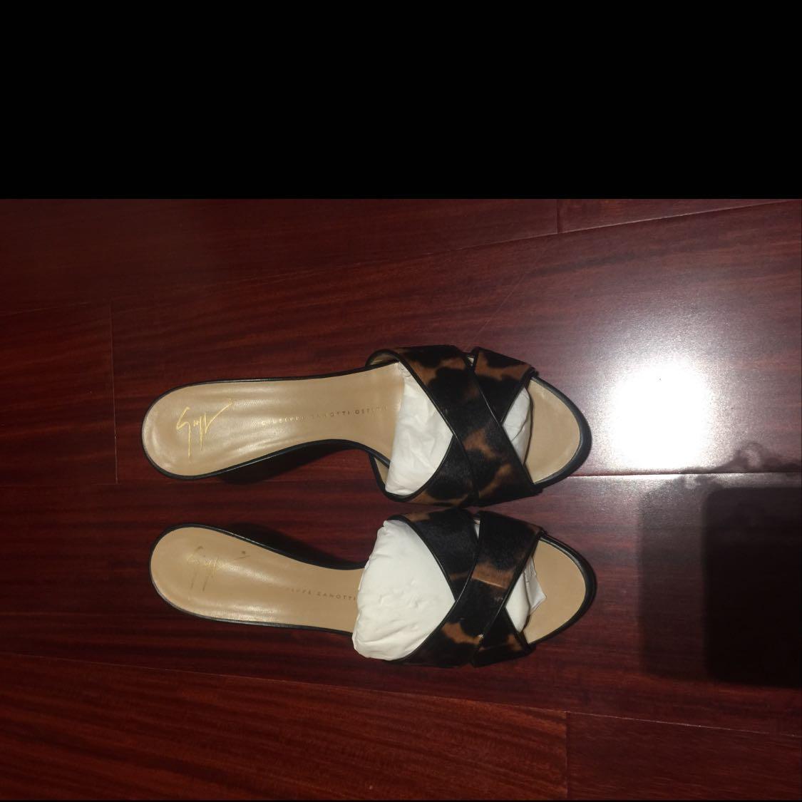 GZ凉鞋细节图