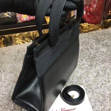 Ferragamo菲拉格慕黑色蝴蝶结手提包