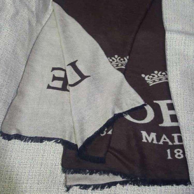 Loewe罗意威女士围巾