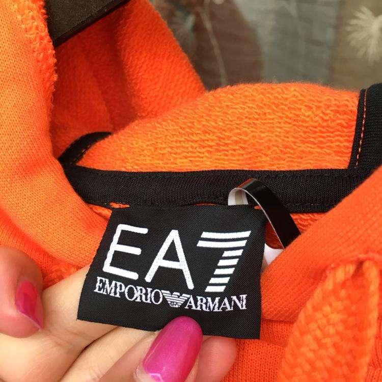 Emporio Armani卫衣