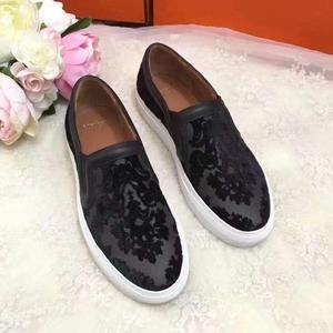 Givenchy纪梵希黑色丝绒拼皮平跟鞋