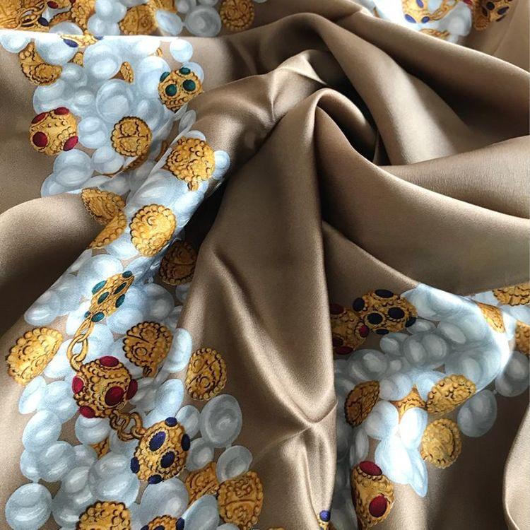 香奈儿丝巾专柜价格_CHANEL 香奈儿丝巾二手价格_专柜正品_图片-心上