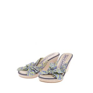 Juicy Couture 橘滋凉鞋