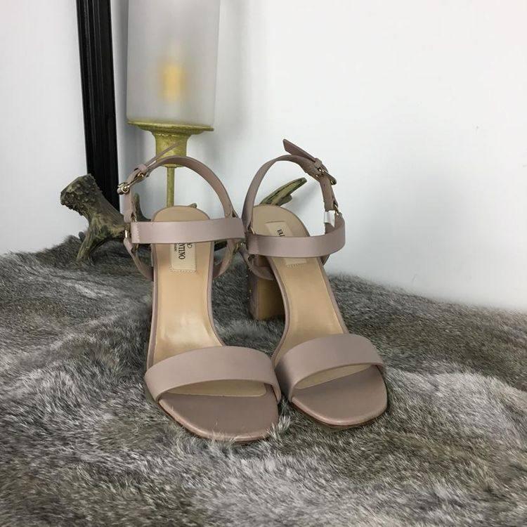 Valentino华伦天奴藕粉色高跟鞋
