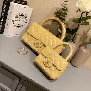 CHANEL 香奈儿奶茶色子母手提包