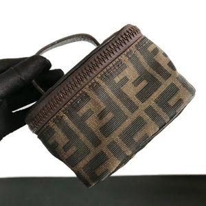 FENDI 芬迪老花盒子迷你手提包