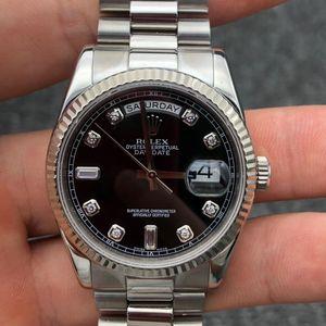 Rolex 劳力士星期日历型系列18K全白金黑盘镶钻男士腕表