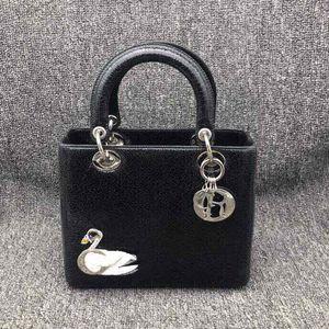 Dior 迪奥戴妃黑天鹅手提包