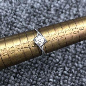 Laofengxiang 老凤祥H19582JMCYF02钻石戒指