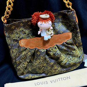 Louis Vuitton路易·威登熔岩限量款重工刺绣老花单肩购物袋