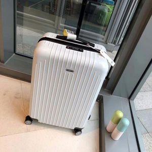 RIMOWA 日默瓦行李箱