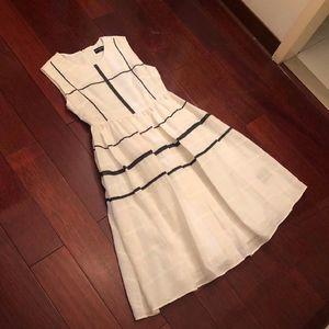 Balenciaga 巴黎世家白色气质连衣裙