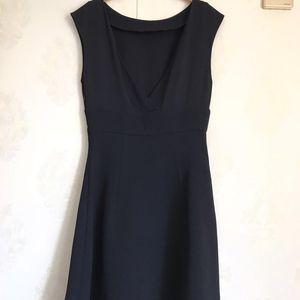 Miu Miu 缪缪黑色连衣裙