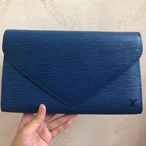 Louis Vuitton 路易·威登蓝色水波纹epi手包