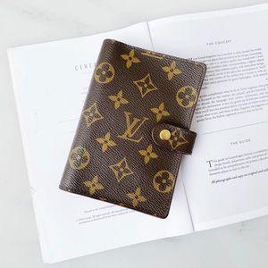 Louis Vuitton 路易·威登手账本笔记本护照夹