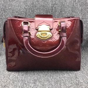 Louis Vuitton 路易·威登漆皮手提包
