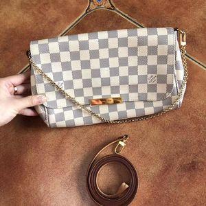 Louis Vuitton 路易·威登白棋盘格中号favorite翻盖斜挎包