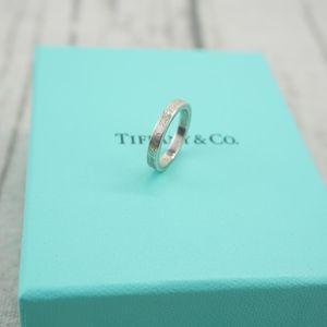 Tiffany & Co. 蒂芙尼925字母刻字尾戒