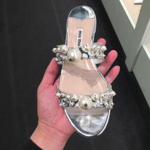 Miu Miu 缪缪女士珍珠拖鞋