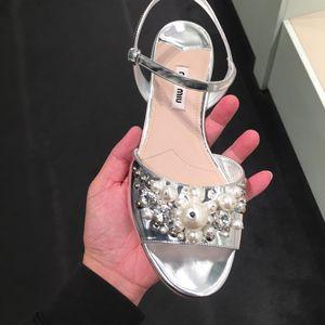 Miu Miu 缪缪女士珍珠凉鞋