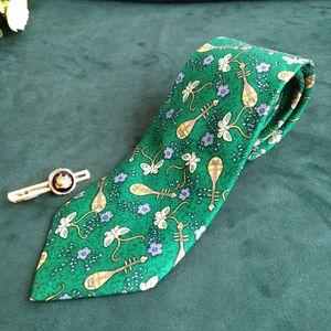 Hermès 爱马仕LD04022男士重磅真丝琵琶花语印花商务领带