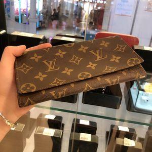 Louis Vuitton 路易·威卡包