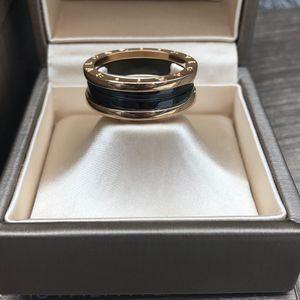 BVLGARI 宝格丽玫瑰金陶瓷弹簧戒指