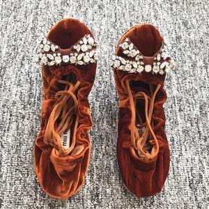 Miu Miu 缪缪棕色丝绒水晶系带芭蕾舞鞋平底鞋