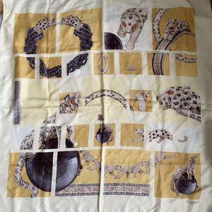 Cartier 卡地亚宝石豹子丝巾