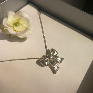 Tiffany & Co. 蒂芙尼蝴蝶结925纯银艺术坠细丝项链