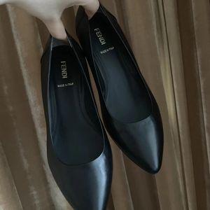 FENDI 芬迪黑色女士全皮小坡跟皮鞋