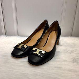 Tory Burch 托里伯奇女士时尚潮流金logo圆头方跟低跟鞋