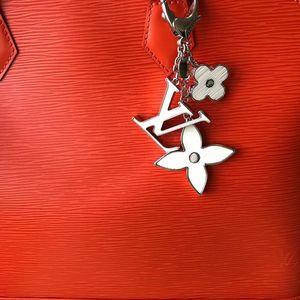 Louis Vuitton 路易·威登经典白花钥匙扣包挂