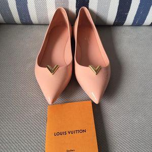 Louis Vuitton樱花粉漆皮平底鞋