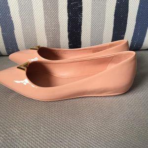 Louis Vuitton 樱花粉漆皮平底鞋