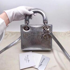 Dior 迪奥Lady Dior mini三格戴妃包手提包