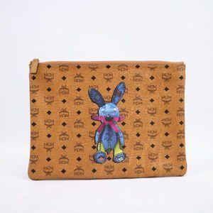 MCM 兔子手拿包