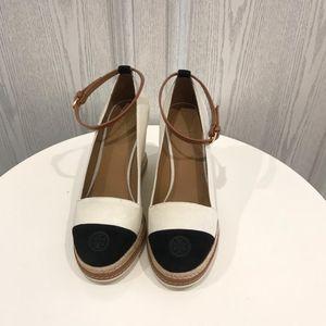 Tory Burch 托里·伯奇牛奶白拼黑色坡跟鞋