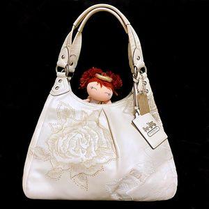 COACH 蔻驰限量款重工刺绣白雪公主全皮手提包