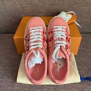 Louis Vuitton 路易·威登立体花朵漆皮樱花粉休闲鞋