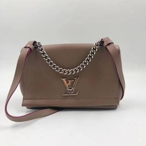 Louis Vuitton 路易·威登奶茶色单肩斜挎包
