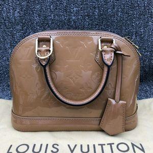 Louis Vuitton 路易·威登小号漆皮alma手提包