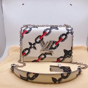 Louis Vuitton 路易·威登Twist系列斜挎单肩包