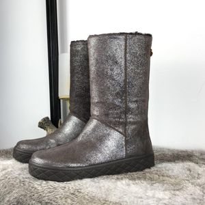 Moncler 蒙口棕色雪地靴