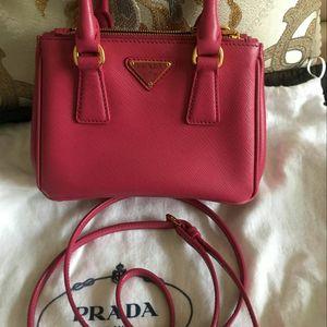 PRADA 普拉达经典限量色mini杀手包