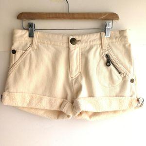 Burberry 博柏利YF04068白色百搭冬季加厚绒短裤热裤