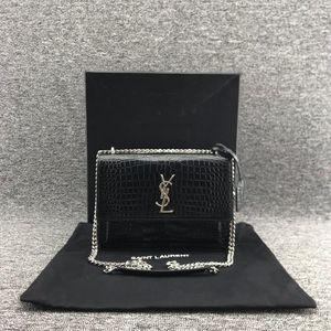 Yves Saint Laurent 伊夫·圣罗兰女士黑色鳄鱼纹磁扣单肩包