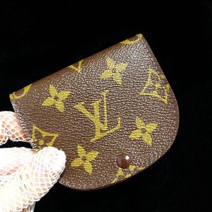 Louis Vuitton 路易·威登经典老花贝壳豆豆零钱包