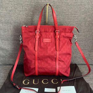 GUCCI 古驰红色防雨绸降落伞尼龙面料竖版购物袋